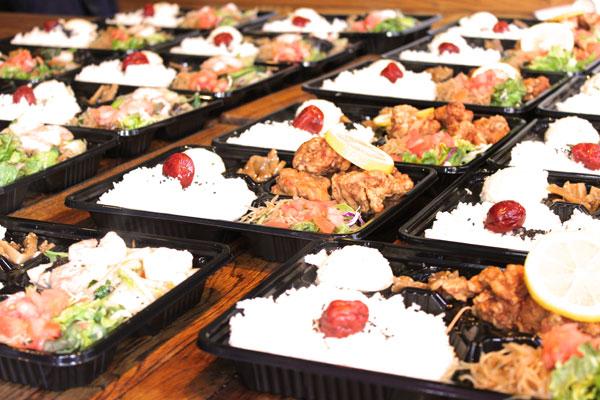 青山シャンウェイではお弁当の宅配も行っています。