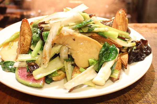 青山シャンウェイの野菜炒め