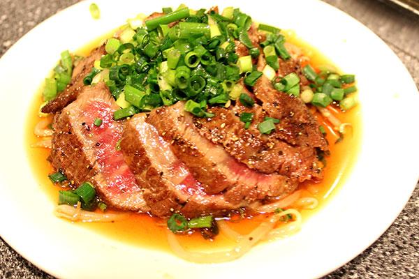 和牛を使った前菜。